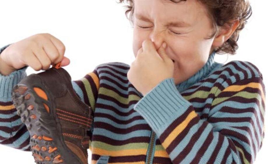 7 trikova za uklanjanje neugodnog mirisa iz cipela